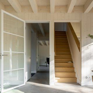 houtskeletbouw Barentsz huis met balken in zicht