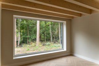 houtskeletbouw Barentsz huis met houten kozijnen